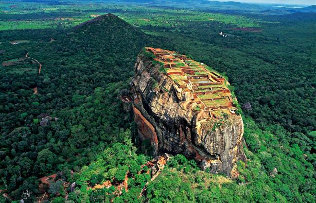 Sri Lanka'nın başkenti, şehirleri ve bölgeleri