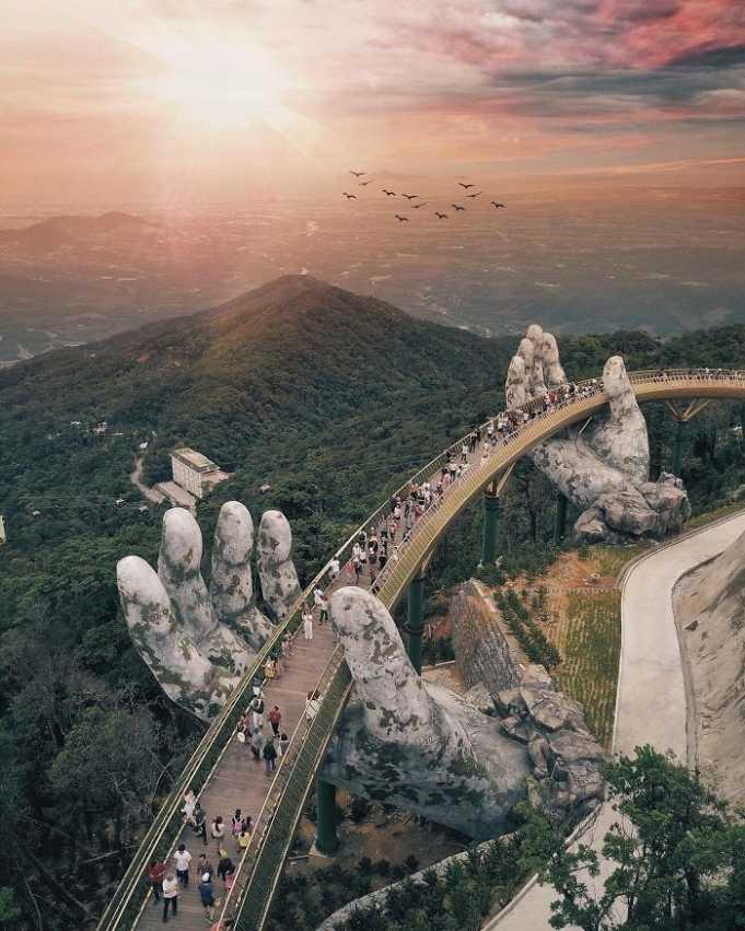 Gökler ile yer arasında: Vietnam'daki Altın Köprü