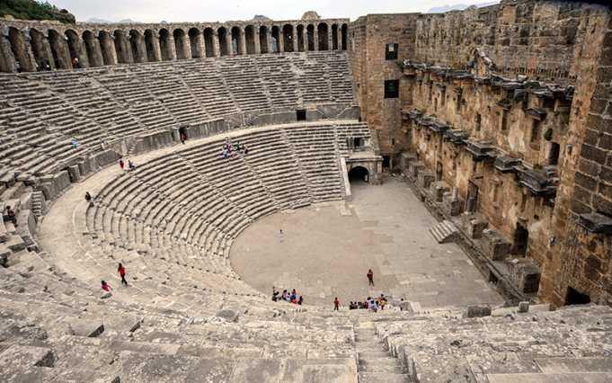 Aspendos Antik Kenti Tiyatrosu