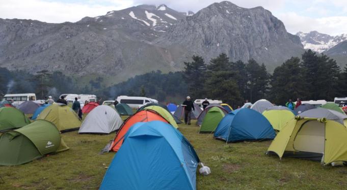 Melikler Yaylası Nerede, Nasıl Gidilir ve Kamp Alanı