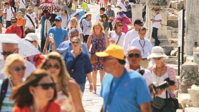 Turiste Kötü Davranan Acentaların Belgeleri İptal Edilecek