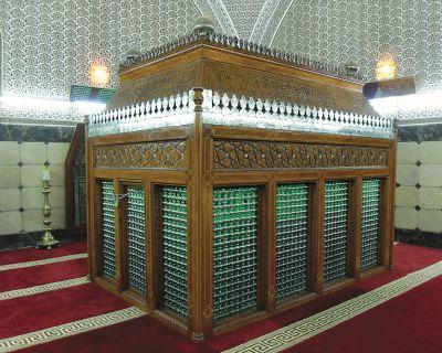 İmam-ı Azam Ebu Hanife Türbesi Nerede, Nasıl Gidilir?