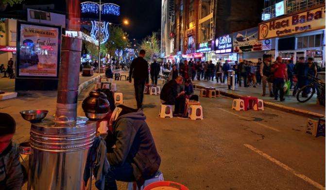 Van'da Orta doğu Esintisi Şehrin kalbi Kapatılıyor