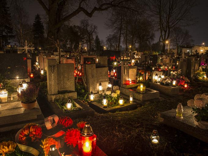 Dünya Genelinde İnanılmaz 7 Benzersiz Ölü Gömme Geleneği